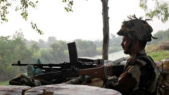 Pakistan opens heavy fire on Indian posts in Naushera