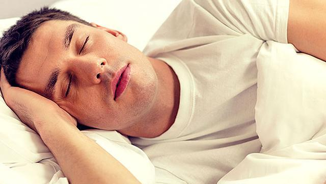Working night shifts, poor sleep habits increase cancer risk in men