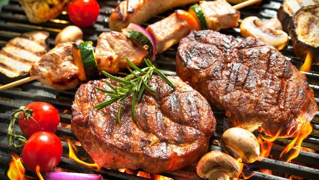 A meat-rich diet can increase the risk of heart failure in women over 50.