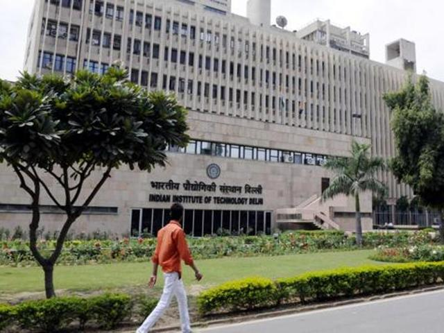 Foreign students at IITs to pay Rs 6 lakh as annual fee