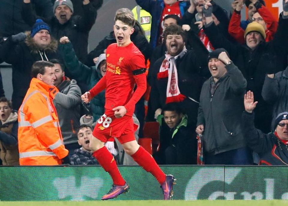 17-year-old Ben Woodburn helps Liverpool reach League Cup semis