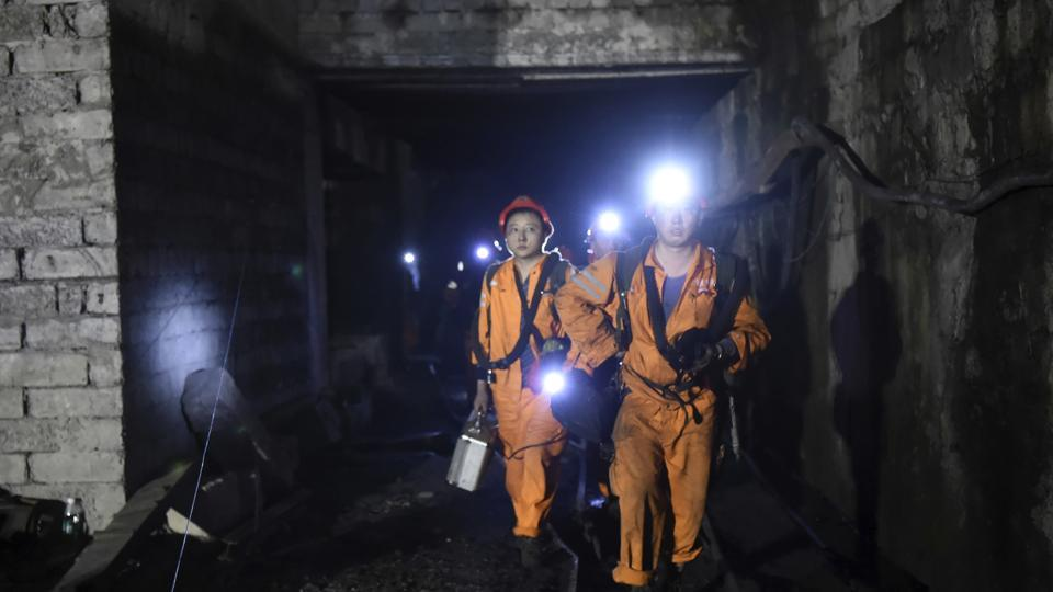 22 workers trapped after accident in Chinese coal mine