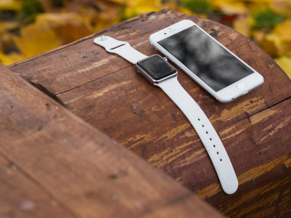 Cook positive about Apple Watch sales as IDC lists Apple 4th in rankings