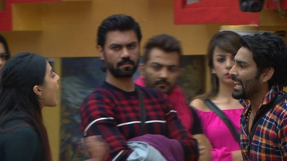 Why does Manu want Mona to leave the show?:Bigg Boss10