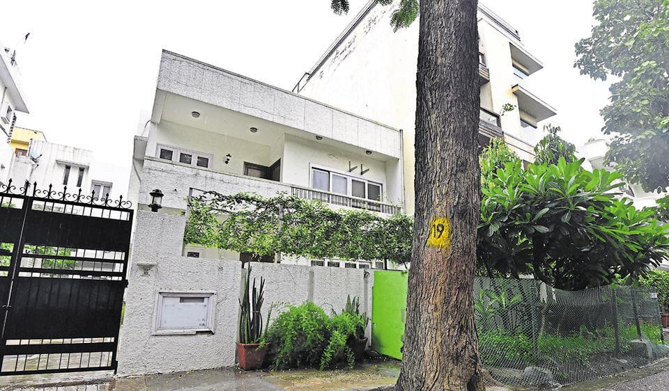 Possibility of price cuts reviving buyer interest in high-end properties
