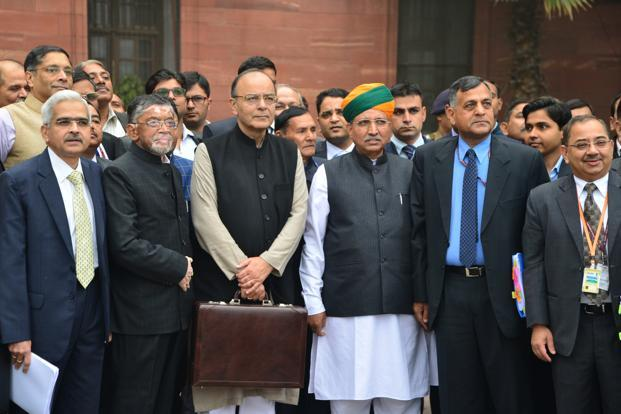 Union Budget 2017: Tax rate halved to 5 percentage for income of Rs 2.5-5 lakh; 10 percentage surcharge on income between Rs 50 lakh-1 crore