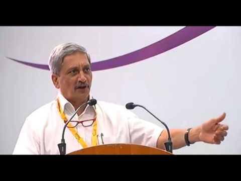 Uploading show cause notice on website wrong: Parrikar
