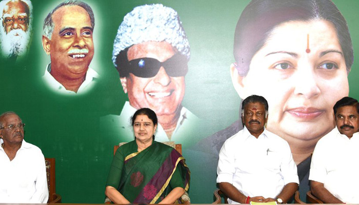 Sasikala set to be Tamil Nadu CM, elected AIADMK legislature party leader; Panneerselvam resigns
