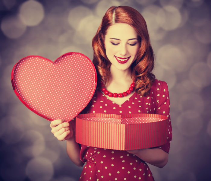 These are the 5 foolproof tips to keep in mind before buying Valentine's Day gifts for your girl