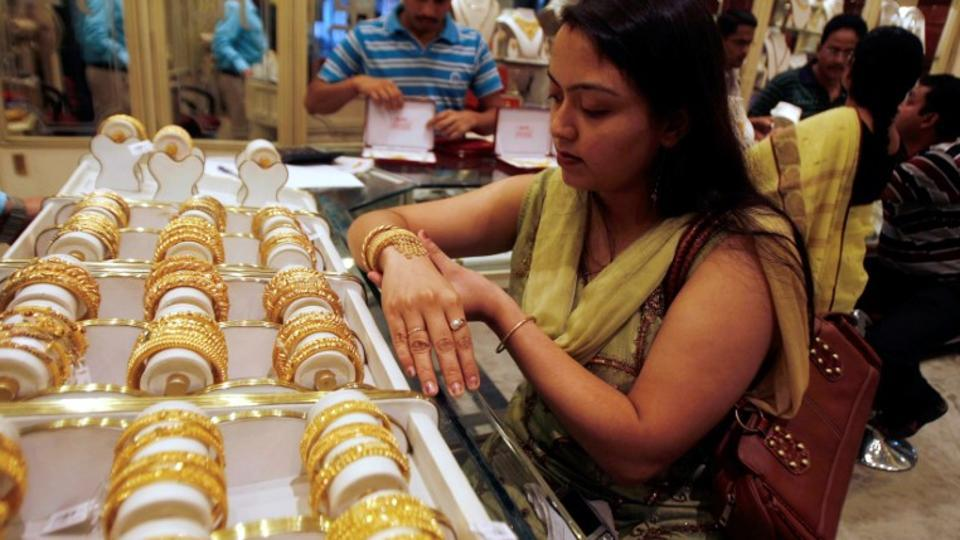 Jewellery demand picks up after note ban hiccup as e-transactions gain pace