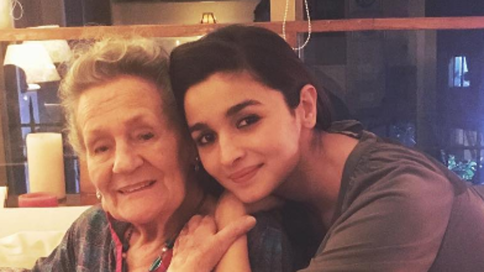 Alia Bhatt celebrated her grandmother's 88th birthday .