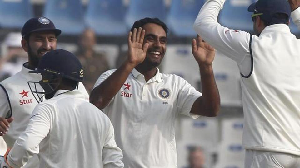 Pune Test: Australia opt to bat vs India, Jayant Yadav replaces Bhuvneshwar