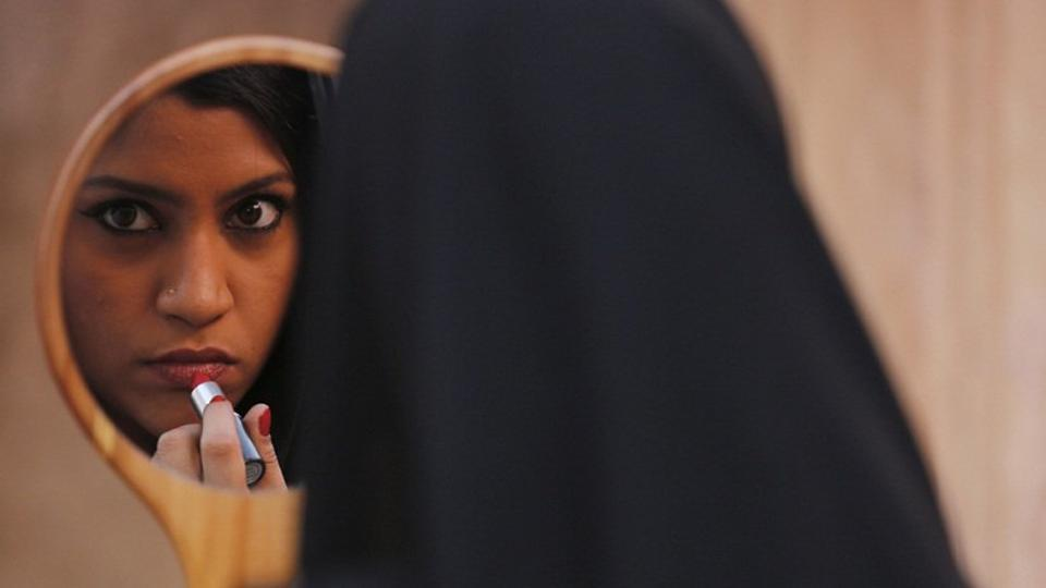 Farhan, Shyam Benegal and Ashoke Pandit slam CBFC over Lipstick Under My Burkha row