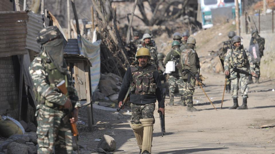 Constable, 2 terrorist killed in Kashmir, stone-throwers target Army forces