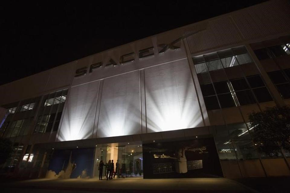 SpaceX launches communications satellite into orbit