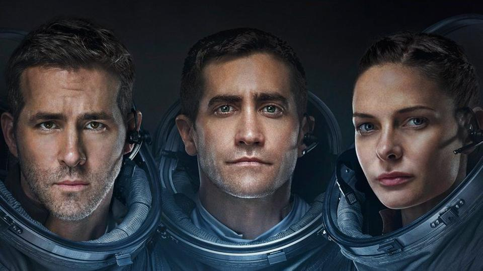Life movie review: In space no one can hear you scream, even if you're Ryan Reynolds