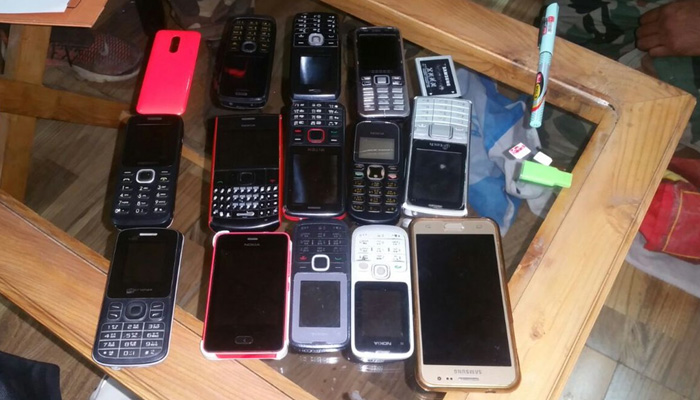 Jammu and Kashmir Police seizes 14 mobiles from Baramulla jail; prisoners utilized them to stay in contact with Pakistan