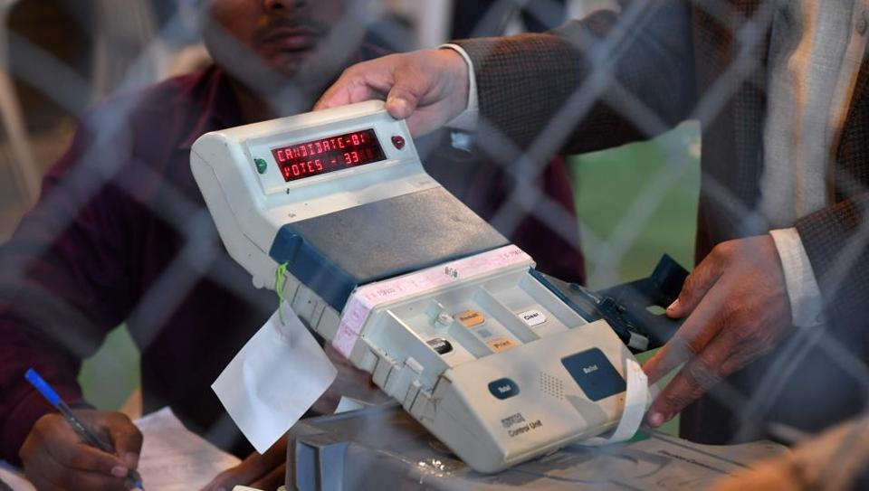 'Try and hack our EVMs': Election Commission to throw challenge in May first week
