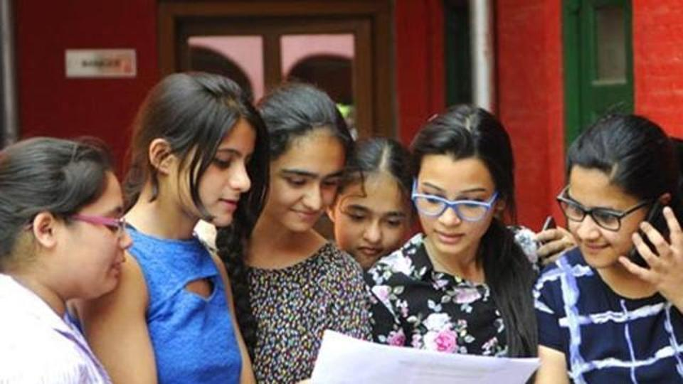 Telangana intermediate exam 2017 results declared, girls outperform boys.
