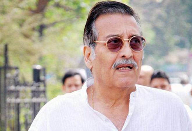Vinod Khanna passes away at 70 after reports of fight against cancer; Bollywood stars, film fraternity mourn loss