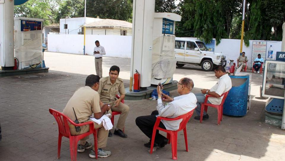 Uttar Pradesh police form SIT to probe multi-crore petrol pump scam