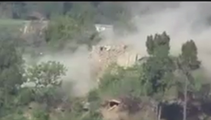 Indian Army responds to Pakistan and destroys Pak bunkers along LoC – Watch video