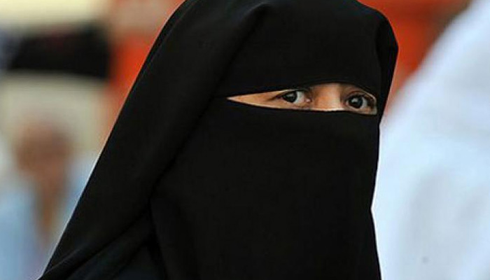 Claiming abuse over dowry and girl child, Muslim lady offers talaq to spouse
