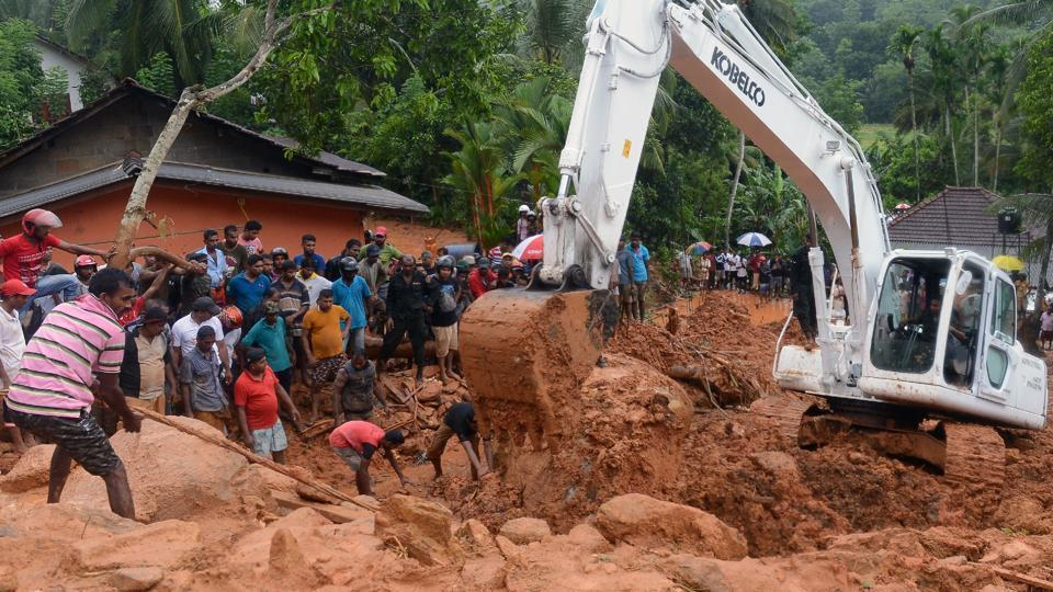 Sri Lanka : 100 dead in mudslides, 99 missing