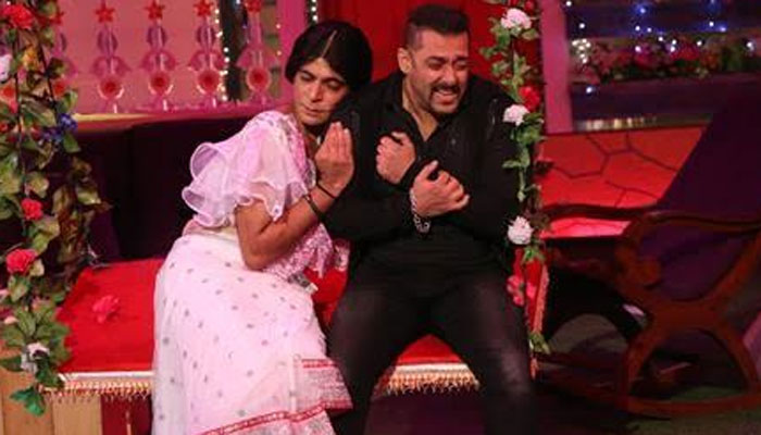Salman Khan chooses Sunil Grover