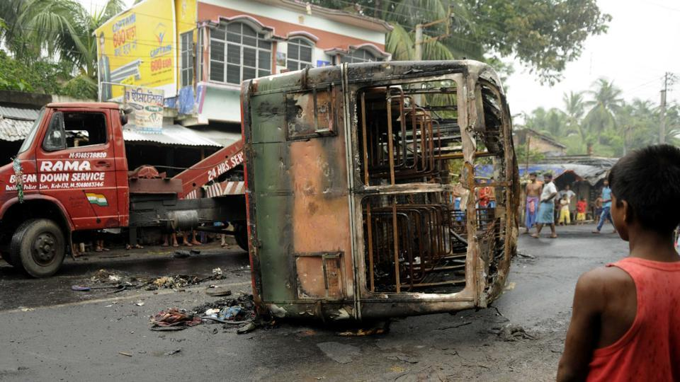 Basirhat violence: BJP MPs including Meenakshi Lekhi arrested while trying to enter riot-hit Basirhat