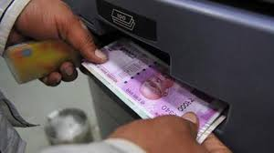 RBI stops printing Rs 2000 notes, focus turns to new Rs 200 notes