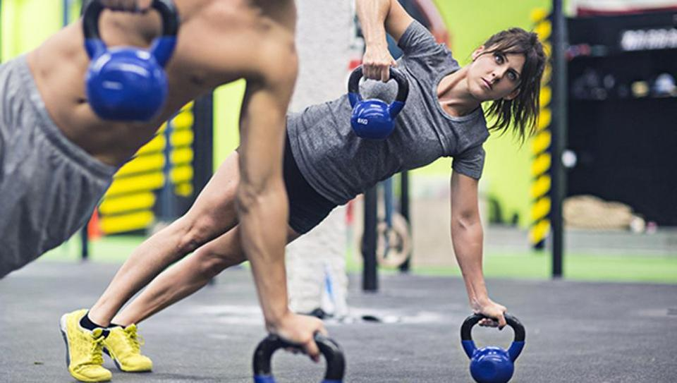 Fitness lovers,Try the high-energy CrossFit workout.