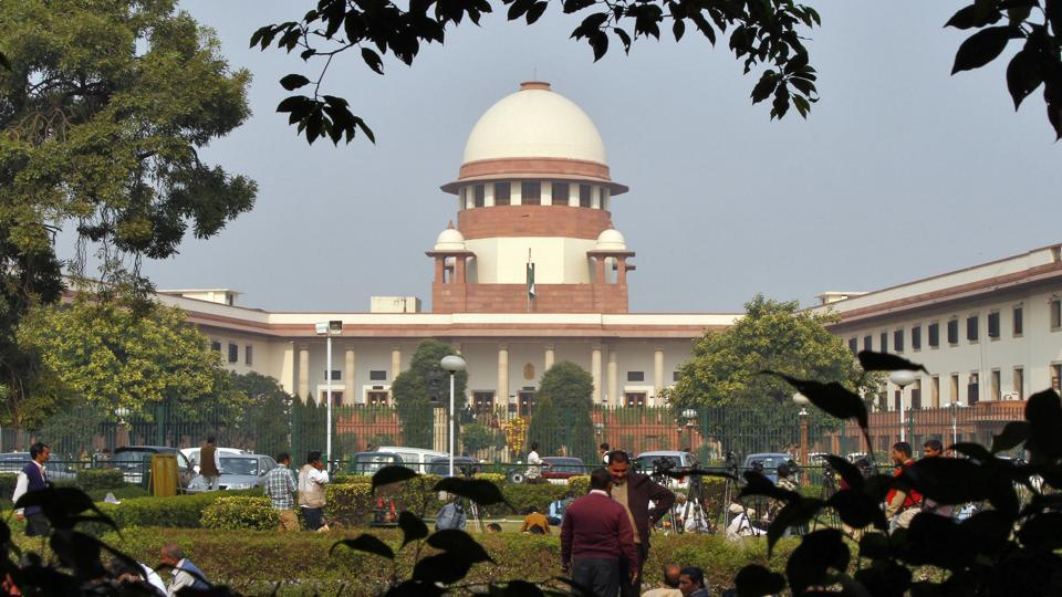 Triple Talaq : SC holds triple talaq for 6 months, asks Parliament to make a law