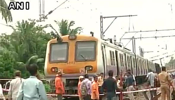Mumbai local train derails; no casualties reported