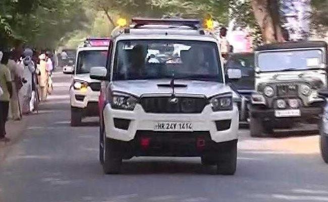 Ram Rahim Verdict : Gurmeet Ram Rahim Singh Travels By Road To Panchkula