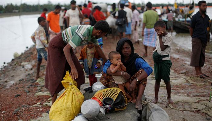 Myanmar mob stones Muslim home amid Rohingya crisis