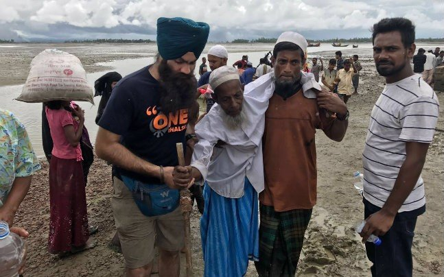 While Everyone's Busy With Armchair Activism, The Sikhs Are Out There Helping Rohingya Refugees