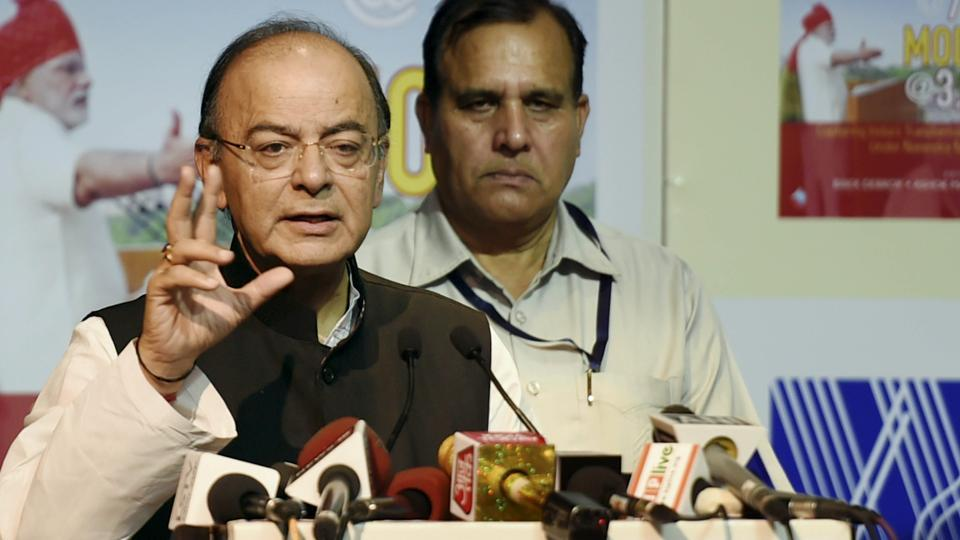 Arun Jaitley hits out at Yashwant Sinha, calls him a job applicant at 80.