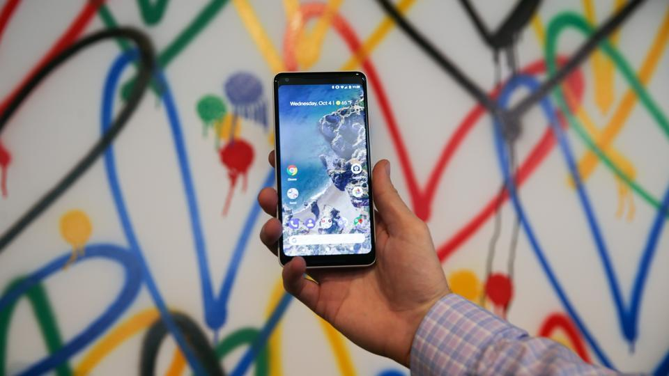 Apple wannabe or game changer': Twitter debates how good is Google Pixel.