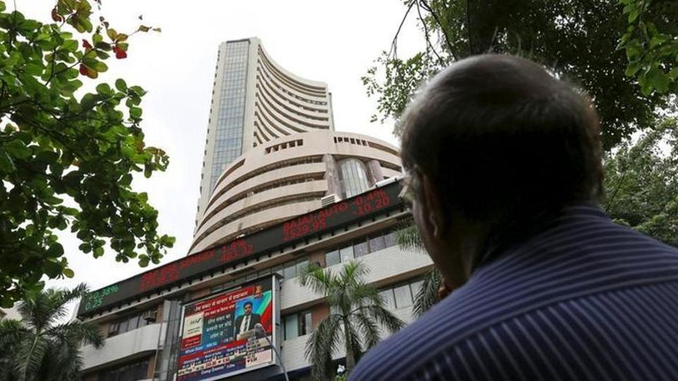 Stock market rally continues, Sensex above 32,000