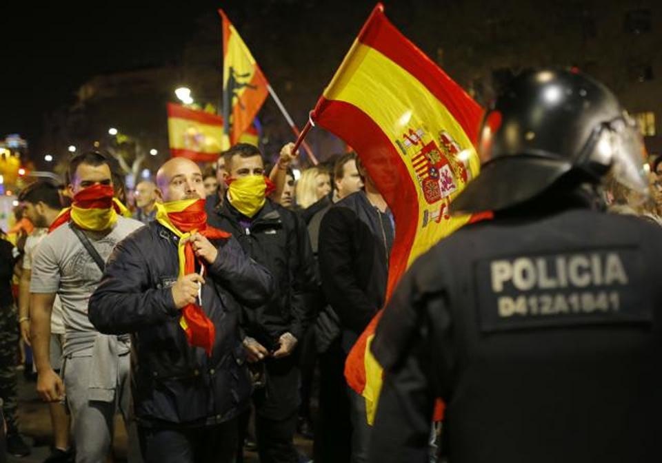 Spain fires Catalonia govt after independence declaration, announces fresh election on Dec 21.