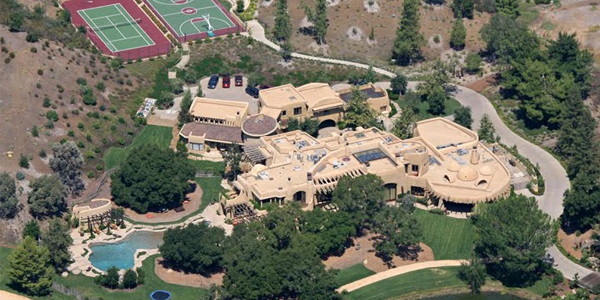 10 Luxurious Celebrity Homes with Outrageous Features: From Will Smith To Mark Zuckerberg