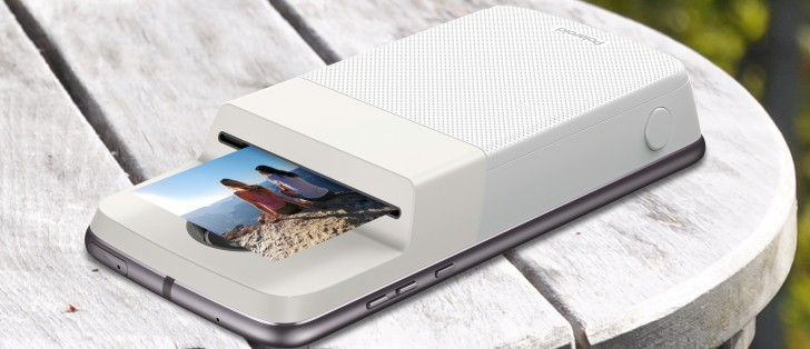 Polaroid and Motorola unveil the Insta-Share Printer Moto Mod