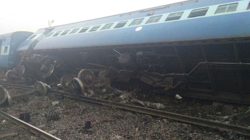 Vasco Da Gama-Patna Express derails near Uttar Pradesh