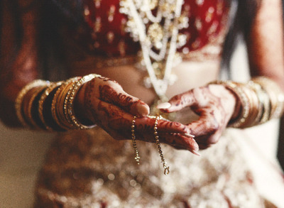 Wedding season: Make your bridal mehndi darker and long lasting