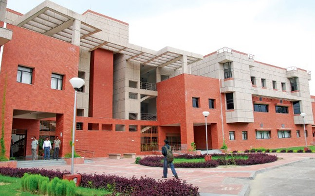 Smack to charas, IIT-Kanpur students fall in grip of drugs, reveals inquiry