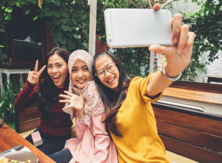 Put that phone down: It's confirmed now that clicking selfies is a mental disorder!