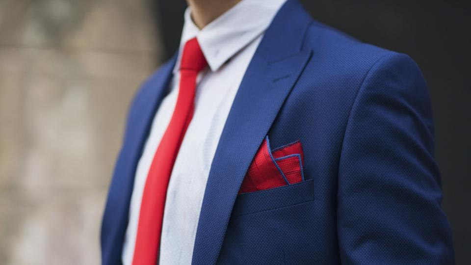 Dear men, ditch blacks and greys in 2018. Here are 10 ways to rock the navy blue suit