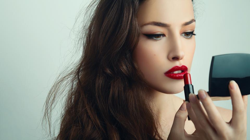 Be selfie ready: Here's how to use make up to look your best