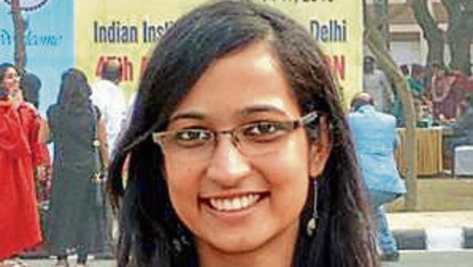 Delhi's Chhavi Gupta cracks CAT with 100 percentile, had cleared IIT-JEE in first attempt